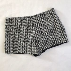 Francesca's Black & White embroidered shorts M